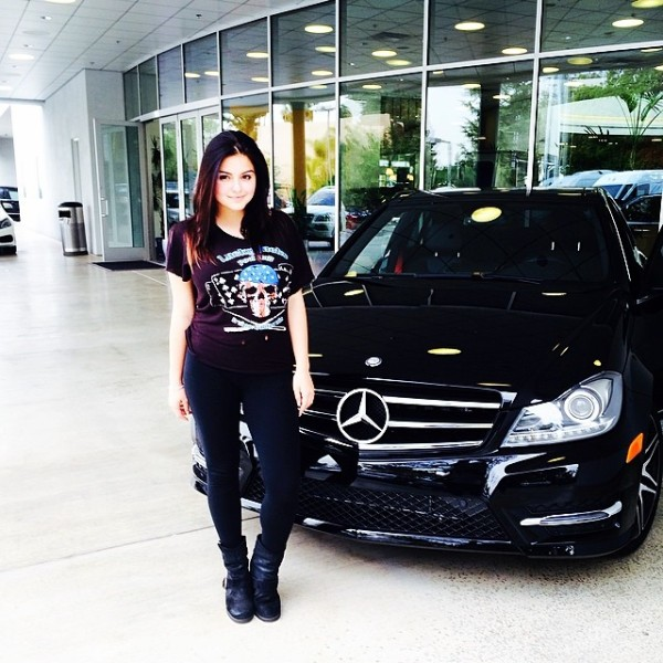 Ariel Winter Mercedes Benz