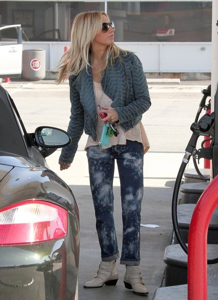Ashley Tisdale Porsche Boxster