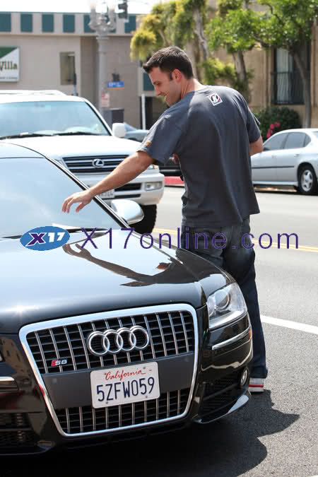Ben Affleck  picks up a parking ticket on his Audi S8