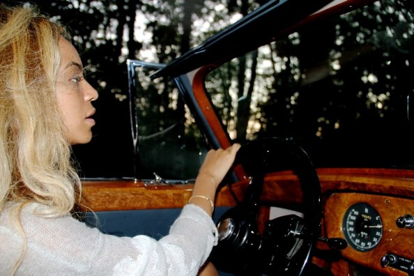 Beyonce and Jay-Z In A Vintage Rolls Royce | Celebrity ...