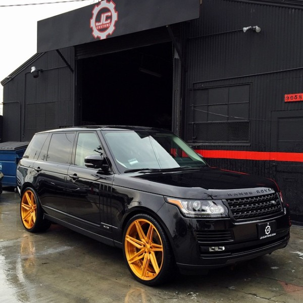 Chris Brown Range Rover