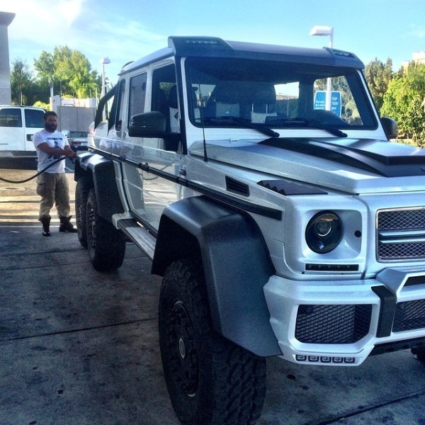 Dan Bilzerian G63 6x6 at the gas station
