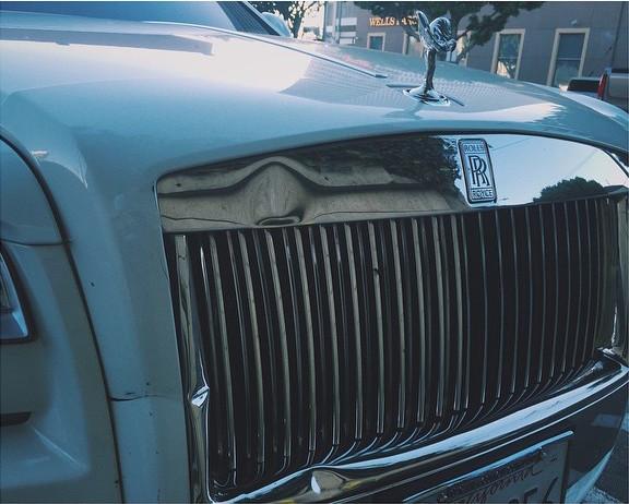 Drama Rolls Royce