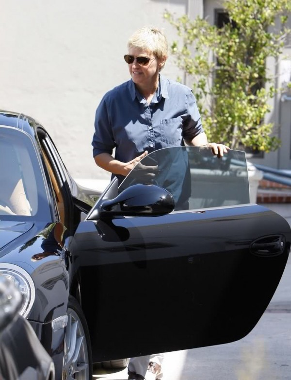Ellen DeGeneres is Artsy in her Porsche