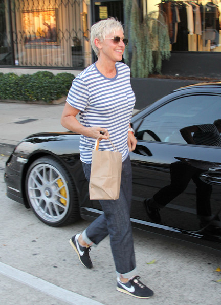 Ellens Day Off In The Porsche Celebrity Cars Blog - Ellen degeneres show car giveaway