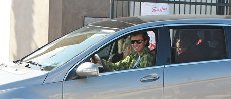 Gavin Rossdale in his Mercedes Benz R Class