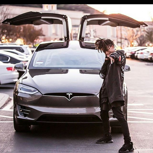 Jaden Smith Takes Delivery Of The New Tesla Model X