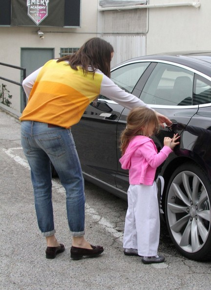 Jennifer Garner Tesla Model S