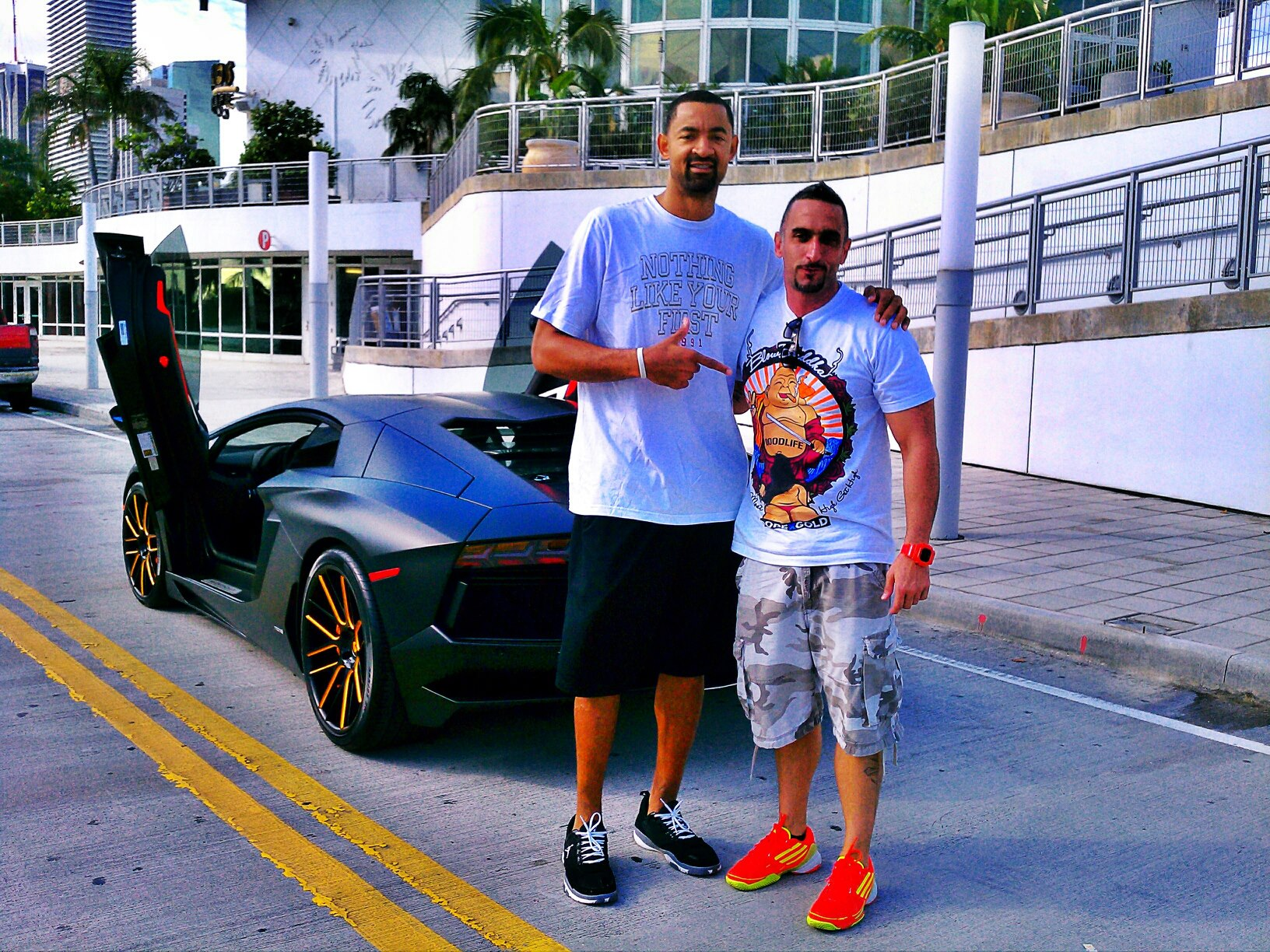 Juwan Howard Brings The Heat in His Aventador