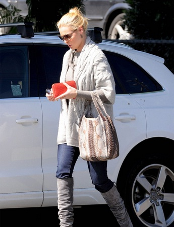 Katherine Heigl and her White Audi Q5
