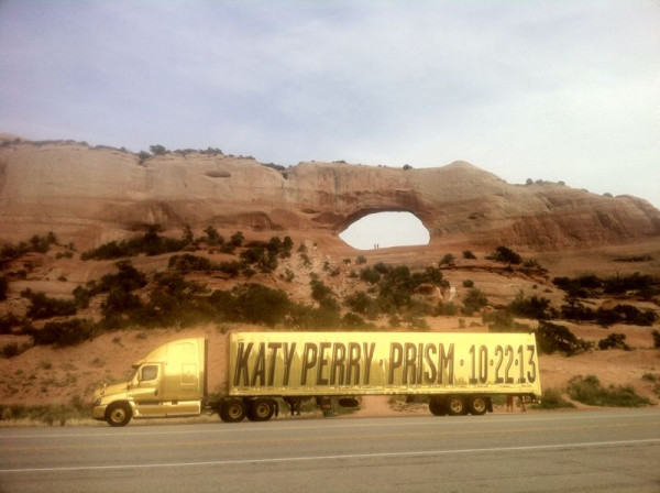 Katy Perry Tour Bus