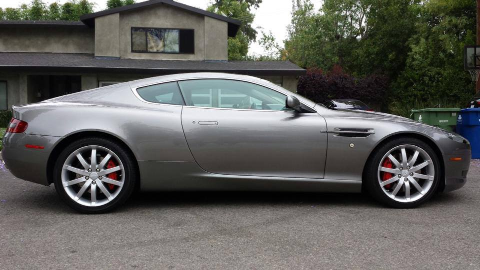 photo of Kiefer Sutherland Aston Martin DB9 - car