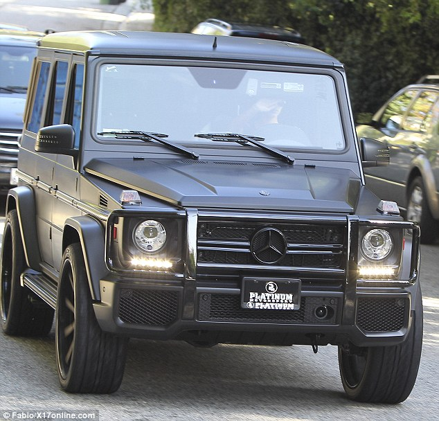 kim kardashian 39 s g63 is matte black not white
