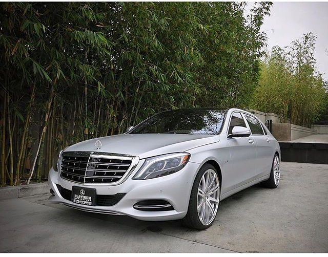 Kim and kanye 39 s new family sedan celebrity cars blog for Mercedes benz kardashian