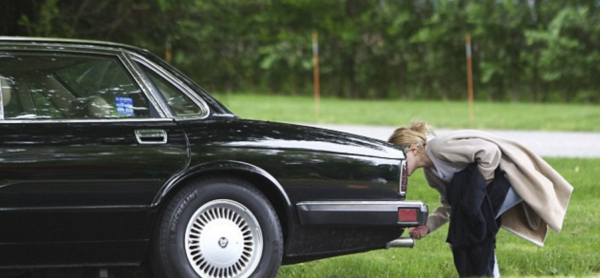 Mary-Kate Olsen Jaguar Broken