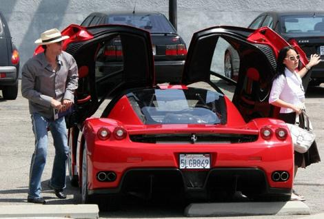 Nicolas Cage Drives a Ferrari Enzo