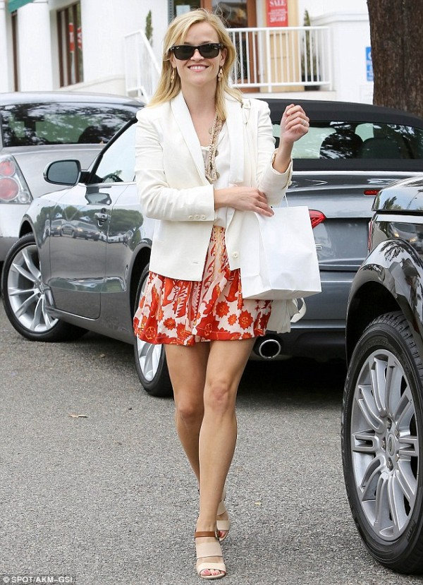 Reese Witherspoon Land Rover