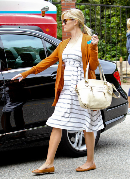Reese Witherspoon Mercedes Benz C Class