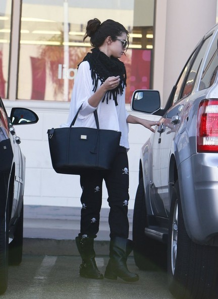 Selena Gomez Ford Escape