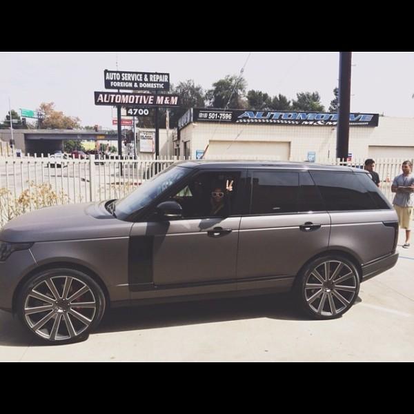 Sofia Richie Range Rover