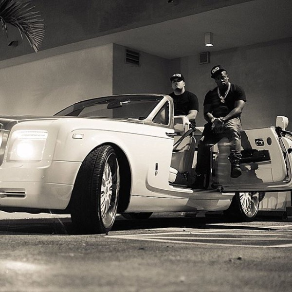 Yo Gotti's New Rolls Royce Phantom has its own Parking ...