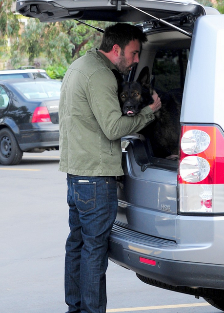 Ben Affleck land Rover LR4