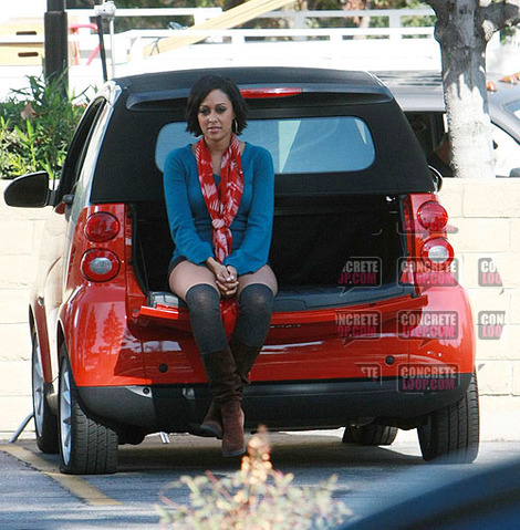tia-mowry-and-smart-car