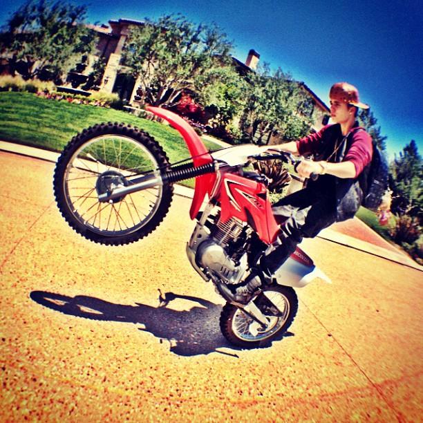 Justin Bieber (@justinbieber) | Twitter